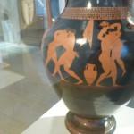 Ánfora ática figuras rojas, c. 530-525 a.e., con escena de palestra, firmada por alfarero Andódices. Altes Museum (Berlín)